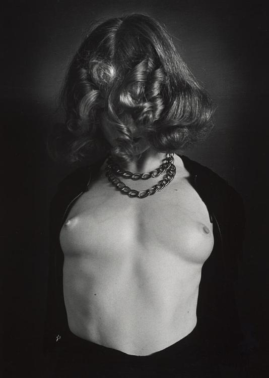 john-gutmann-naked-breasts-covered-face-1939